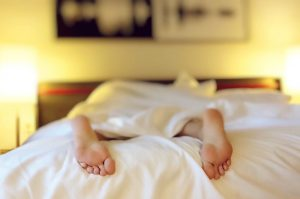 sleep to reset your metabolism to burn fat like you were younger